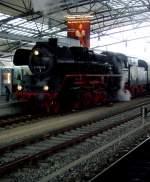 dampf/108502/br-41-in-der-bahnhofshalle-12122010 BR 41 in der Bahnhofshalle, 12.12.2010