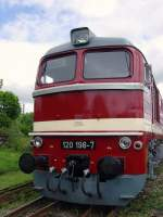 bw-weimar/73824/120-198-7-ex-v200-der-dr 120 198-7 (ex V200 der DR) im Bw Weimar, Mai 2010