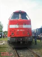 bw-weimar/80068/br-219-im-bw-weimar-um BR 219 im Bw Weimar, um 2004