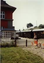 bhf-erfurt-west/77496/zug-der-traditionssbahn-im-bhf-erfurt-west Zug der Traditionssbahn im Bhf Erfurt-West, vor 1989