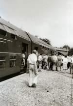 bhf-erfurt-west/80413/sonderzug-zur-flugschau-in-erfurt-west-vor Sonderzug zur Flugschau in Erfurt-West, vor 1989