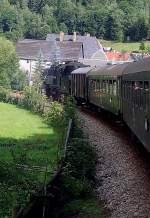 strecke/88635/dampfzug-bei-mellenbach-148-2010 Dampfzug bei Mellenbach, 14.8. 2010